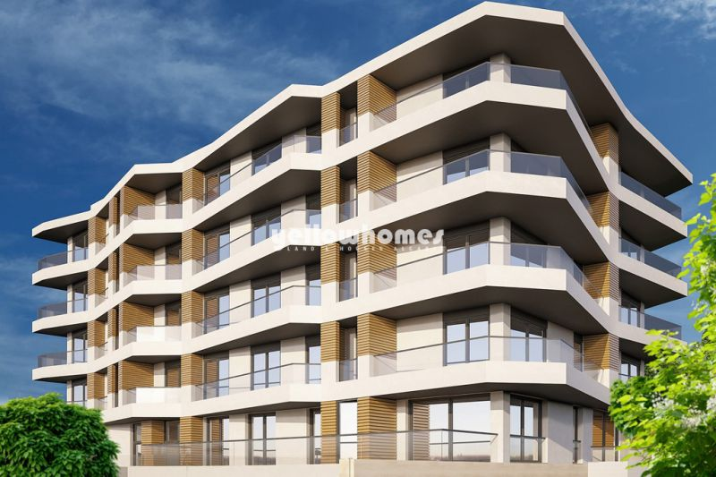 Modern 3 bed apartments with large balconies near the beach and amenities